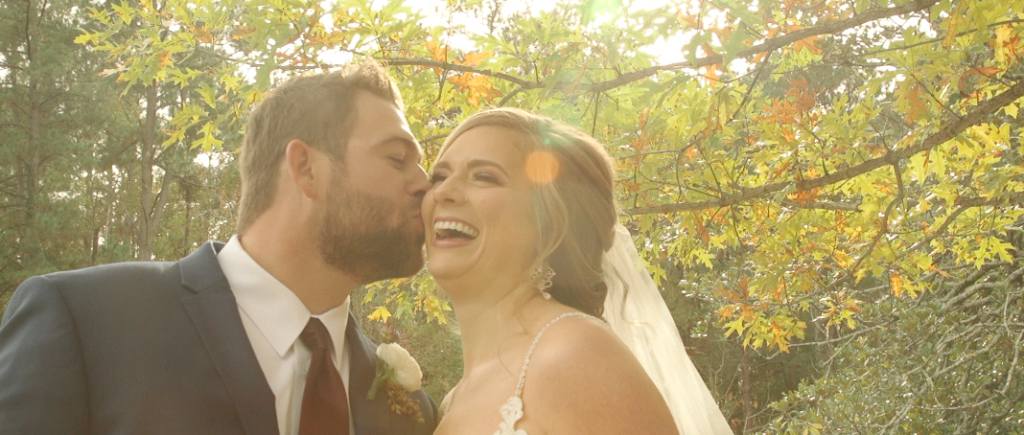 Bride and Groom Wedding Videography at Aldridge Gardens / beautiful sunspots